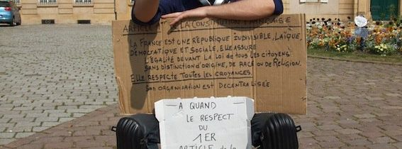 Vidéo : Un raëlien agent chez Orange télécom fait la grève de la faim